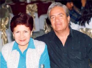 Salvador Jáquez y Mavis de Jáquez.