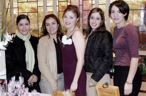 Carolina de Bonilla, Carolina Bonilla y Liliana Bonilla ofrecieron una despedida de soltera  a Eréndira Silveyra Ramón por su cercano matrimonio.