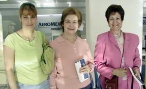 <b>18 de febrero de 2005</b> <p> Tere Serra y Mary Serra viajaron a México y fueron despedidas por Lorena de Carmona.