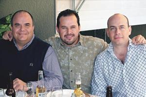 6827Jaime González Lobo, Fernando Izaguirre y Cesar de la Garza