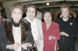 <b>19 de febrero de 2005</b> <p> Leonor  de Ruiz, Lucila de Del Bosque, Yolanda de Martínez y Beatriz de Llerenas.