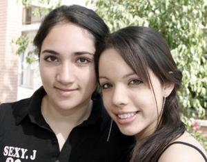 Adriana Bañuelos y Daniela González