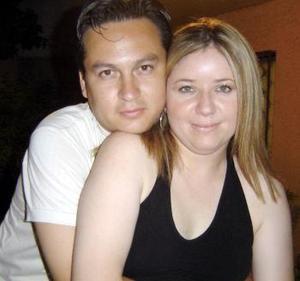 <b>19 de febrero de 2005</b> <p> Jesús Alberto Bonilla Castro y Norma Eréndira Sylveira Román.
