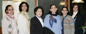 Ana María Chaurur de Zarzar, Chelo Zarzar de Jaik, Tere Zarzar, Maribel Zarzar y Mariluz Zarzar le ofrecieron un fiesta de canastilla.