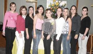 Sandra Rivas Kuster disfrutó de su fiesta de despedida junto a sus amigas