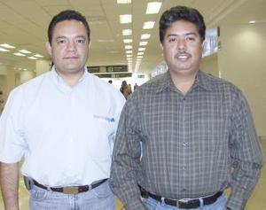 <b>19 de febrero de 2005</b> <p> Isaías Delgado y Luis Monterroso viajaron al D.F.