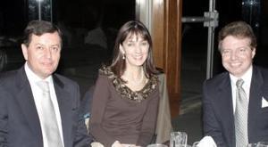 Aureliano González, Mónica de Casán y Alejandro Kotsifakis