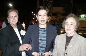 Ernestina Gamboa, Bertha y Tere Castañeda.