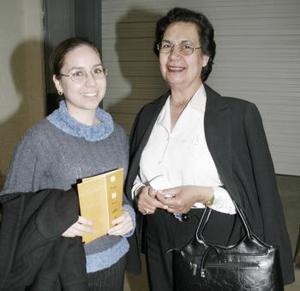 Marcela Soto y Rosa de Soto.