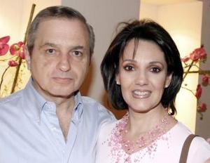 Sergio de la Parra y Laura de De la Parra.