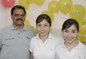 Mario Olvera,Mariana Molina y Ale Herrera.