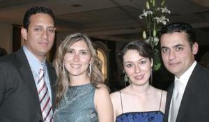César Pérez, Mónica de Pérez, Margarita Hernández y Kike Mery.