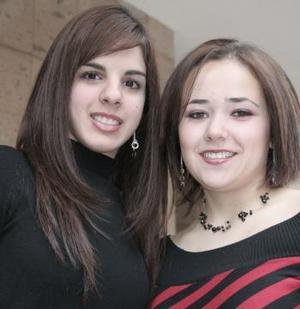 Marla López y Cristina Giacomán.