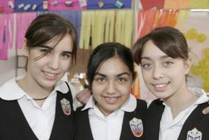 <b>20 de febrero de 2005</b> <p> Verónica Arellano, Daniela Espinoza y Cristy Cantú.