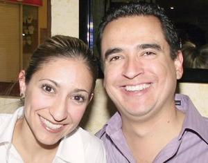 Mayela de Fernández y Érik Fernández.