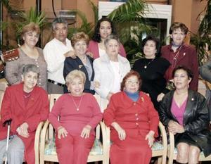 Integrantes del Grupo de Bohemia Alborada se reunieron recientemente para festejar su quinto aniversario, además de celebrar de Día del Amor y Amistad