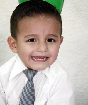 Harol Fabián Flores Mireles cumplió tres años de vida.