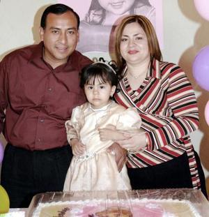 José Luis Alvarado  Martínez y Lorena de loa Ángeles Rangel Gómez festejaron a su hijita Mayra Lorena Alvarado Rangel, con motivo de sus tres años de vida