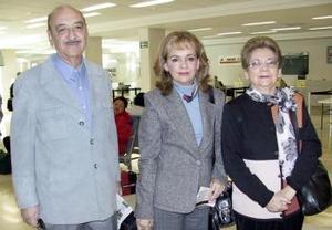 Zoila de Pérez Merodio y Miriam Pérez Merodio  viajaron a Méxicoy las despidió Sergio Pérez .