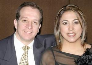 Carlos Velásquez y Cristina de Velásquez.