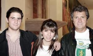 Ernesto, Marien y Ernesto Barrientos