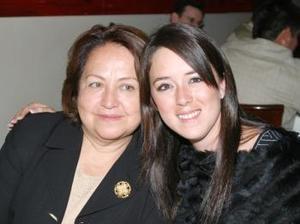 <b>25 de febrero de 2005</b> <p> Raquel Pámanes y Ana María Vargas.
