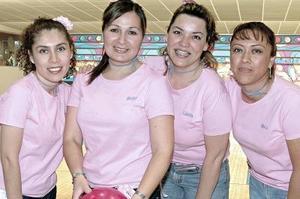 Adriana Boone, Silvia Flores, Gaby Castillo y Mónica Rodríguez .