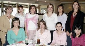 Lourdes Dorantes de Babún celebró  su cumpleaños recientemente, en conocido restaurante de la ciudad de Gómez Palacio, acompañada de un grupo de amistades.
