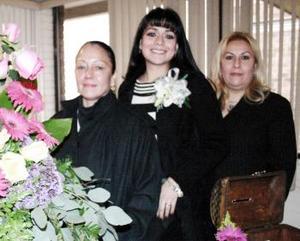 <b>23 de febrero de 2005</b> <p>  Alhelí Carrillo Cháirez disfrutó de una fiesta de canastilla que le ofrecieron Rocío Cháirez de Carrillo y Nefertiti Ávalos Vallejo.