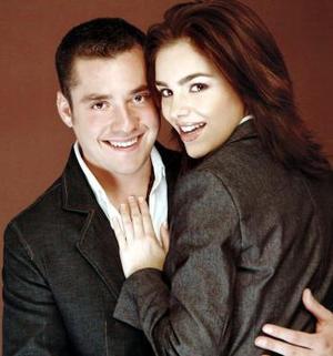 <b>25 de febrero de 2005</b> <p> Maurice  Collier de la Martiere Subealdea y Elvira Garza Rebollo.
