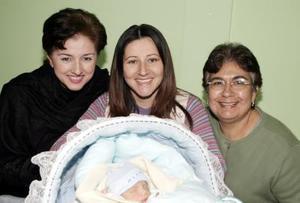 <b>23 de febrero de 2005</b> <p>  Blanca Elisa López de Sandoval acompañada por Blanca Irma Ortega de Mercado y Gabriela de la Rosa de Sandoval quienes le ofrecieron una fiesta de bienvenida, por el nacimiento de su segundo bebé.