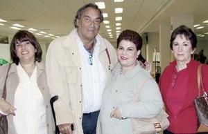 <b>23 de febrero de 2005</b> <p>  Lucía Garza y Luciano Mazzeti viajaroon a Veracruz y fueron despedidos por Beatriz Villarreal y Rosa María de Medina.