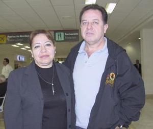 <b>25 de febrero de 2005</b> <p> Rosa Alicia Ramjírez viajó a San Diego y fue despedida por Rubén Ramírez