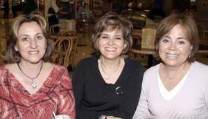 Lourdes de González, María Luisa de Tovar y Ángeles González.