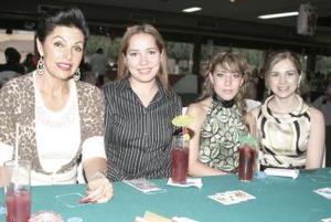 Susana Fernández de Russek, Laura Leal, Pamela Rodríguez y Ana Claudia López.