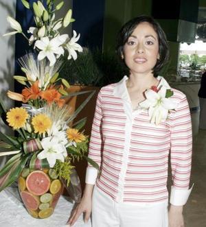 Arq. Lorena Ramírez captada en su despedida de soltera.