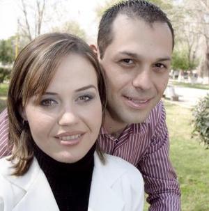 <b>27 de febrero de 2005</b> <p> Sr. Javier Alarcón Adame y la Srita. Sandra Rivas efectuaron su presentación religiosa el 19 de febrero 2005.
