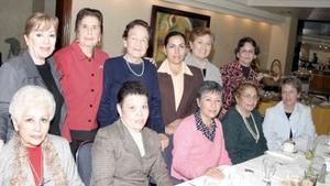 Carmelita Sada, Rita Chong, Aída Wolff, Licha Safa, Gloria de Orozco, Sol de Holguín, Lupita Cuesta, Elvira de Nuñez, Luz Elena Chufany, Georgina Rodríguez y Aurora Medellín.