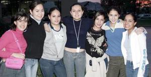 Lucero Covarrubias, Cristy Esparza, Ale Meraz, Marcela Castañón, Cristy Beltrán, Anilú Lara y Maru Ramos
