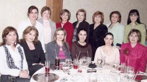 Susana, Monis, Alicia, Cristina, Gabriela, Ángeles, Gaby, Mónica, Iván, Karime, Mónica, Lorena, y Silvia, en pasada reunión.