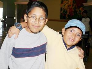 <b>28 de febrero de 2005</b> <p>  Mario Roberto y Sebastián Salcedo.