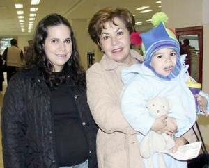 <b>27 de febrero de 2005</b> <p>  Catalina Uribe, Catalina Ramírez y Maximiliano Tragger viajaron a la Ciudad de México