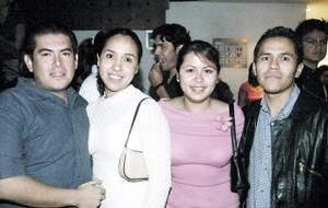 Gerardo Román, Marcela Salazar, Nidia de Martínez y Leonardo Martínez.