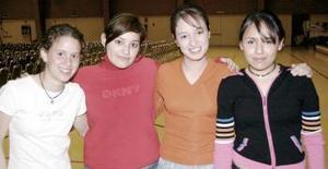 Adriana Ledezma, Lucía Herrera, Gabriela Barrera y Zaira Yáñez.