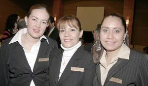 Mayra Cisneros, Rosa Ileana Carreón y Amelia Rubio López