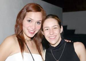 Noemí de Leyva y Gaby Flores.