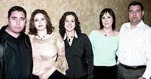 Alberto Magadán, Gisela de Magadán, Fernanda Carment, Ale González y Mario Sáenz.