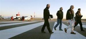 Kevin Stass, portavoz del equipo de apoyo de la aventura de Fossett, explicó que la etapa de vuelo sobre Oriente Medio fue la más difícil de organizar con todas las autoridades aeronáuticas.