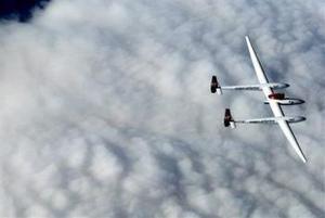 Para que el vuelo quede registrado en la historia de la aviación, la Federación Aeronáutica Internacional exige que comience y termine en el mismo aeródromo, después de una travesía por todos los meridianos del planeta.
