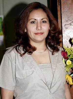 Claudia Frayre Flores festejó su cumpleaños recientemente, motivo por el cual recibió múltiples felicitaciones.
